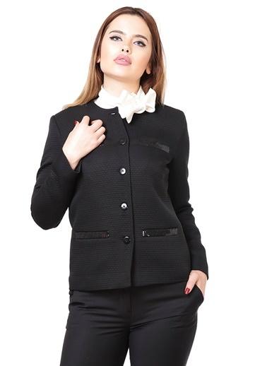 Ceket Karaca